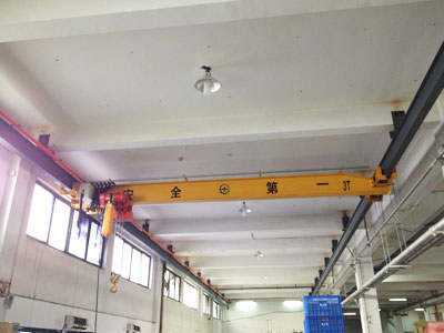 Overhead Crane With Chain Hoist